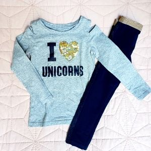 🦄  Unicorn outfit, Carters, great condition!
